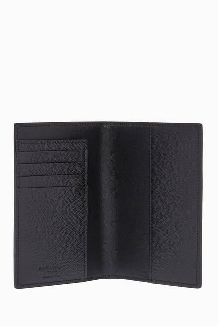 hover state of Passport Holder in Grain de Poudre Leather