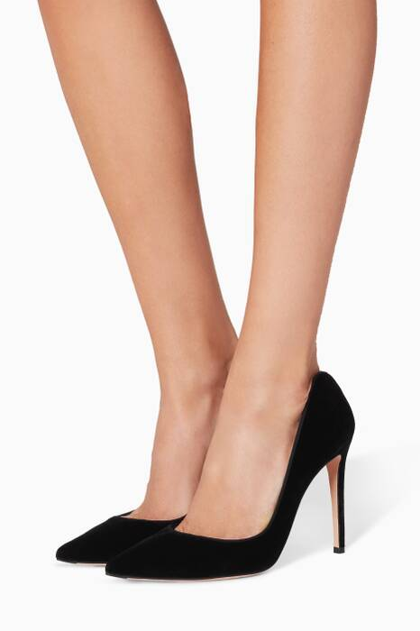 Black Velvet Pointy Pumps