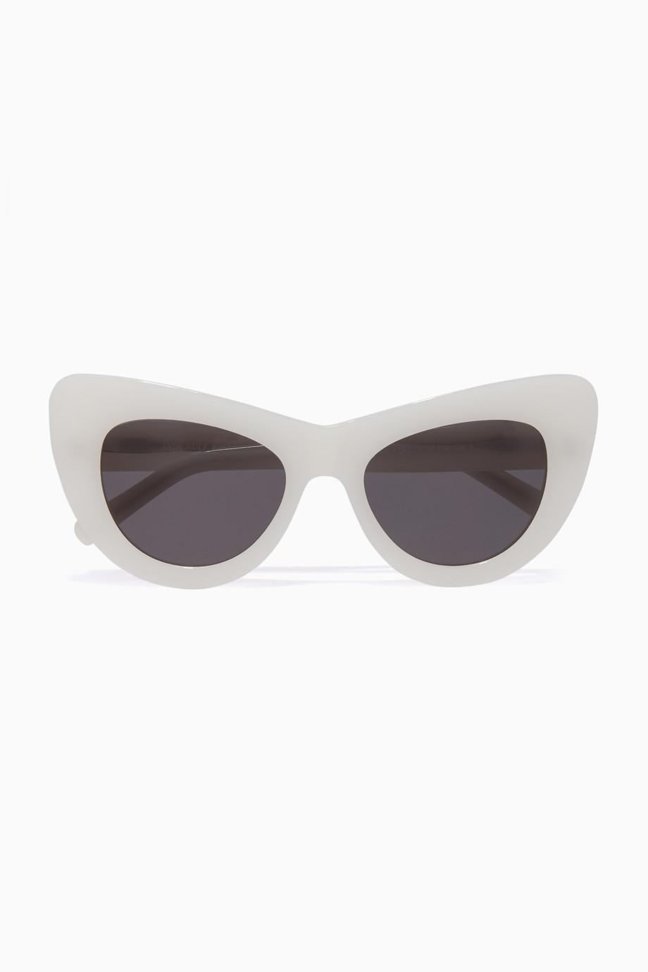 b4c9a87f5 تسوق نظارات شمسية جان صن كول. هـ بيضاء اندي وولف ابيض للنساء | اُناس ...