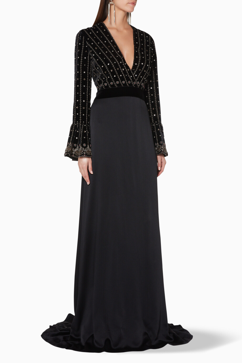 6944a3d5f8412 تسوق فستان سهرة بأكمام طويلة مطرز أسود Gucci أسود للنساء