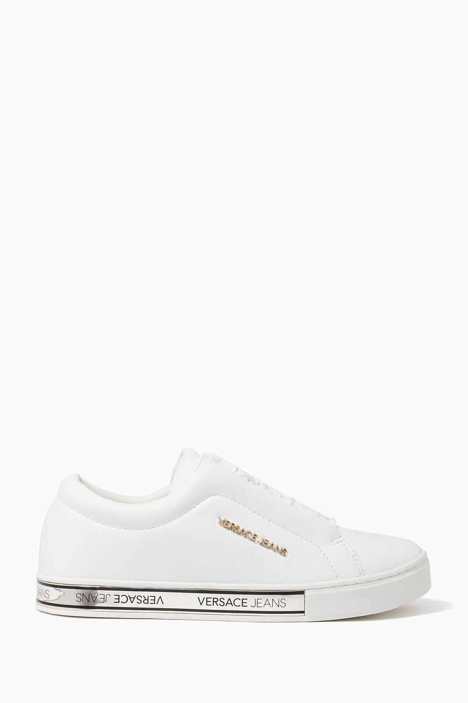 1d5a5511a تسوق حذاء سنيكرز أسفل الكاحل بشريط بشعار الماركة Versace Jeans ابيض ...