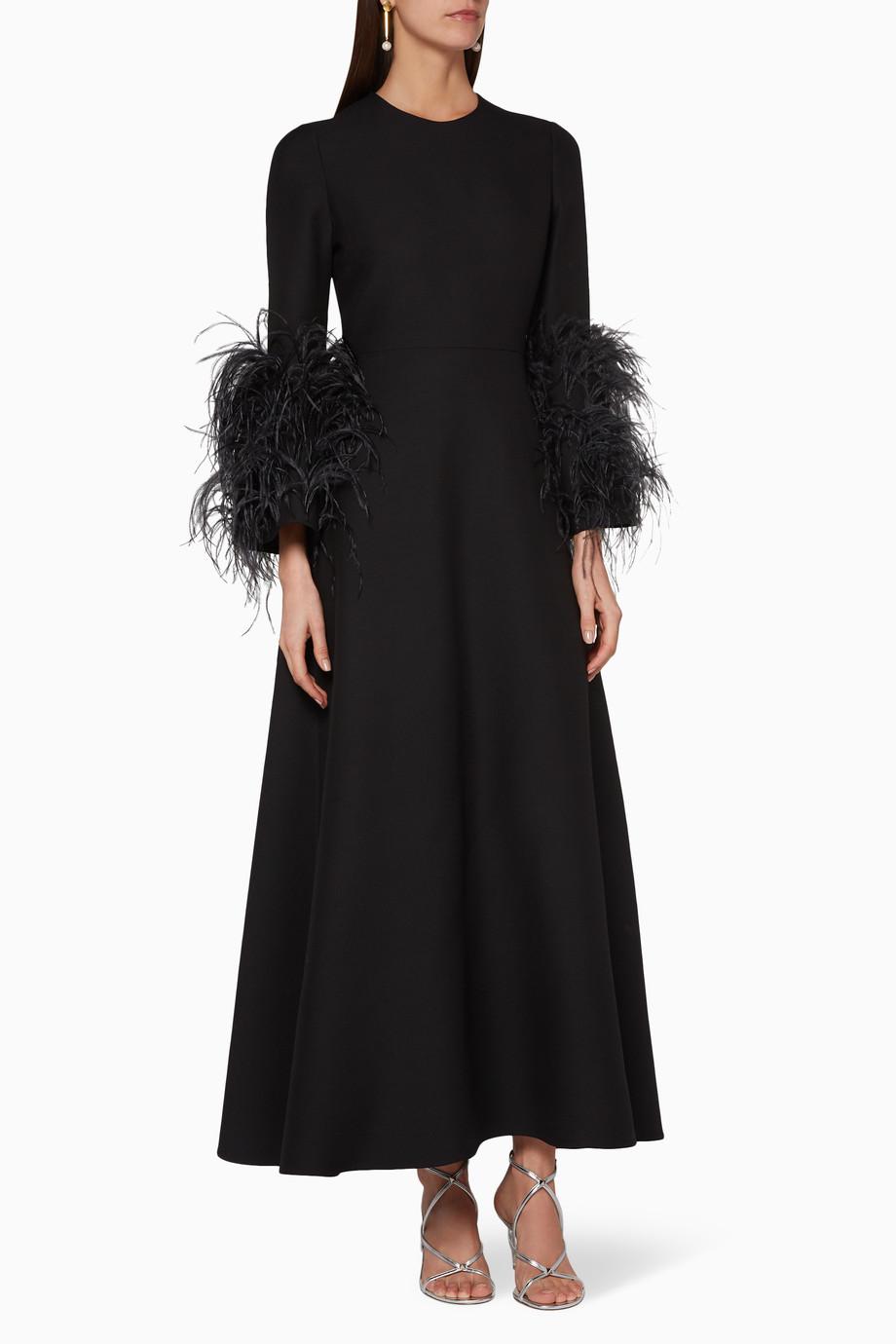 19bfd52d8 تسوق فستان طويل بأكمام مزينة بالريش Valentino أسود للنساء | اُناس ...