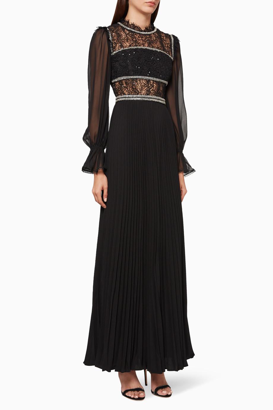 فستان طويل شيفون ودانتيل بتصميم دوائر مطرزة بترتر